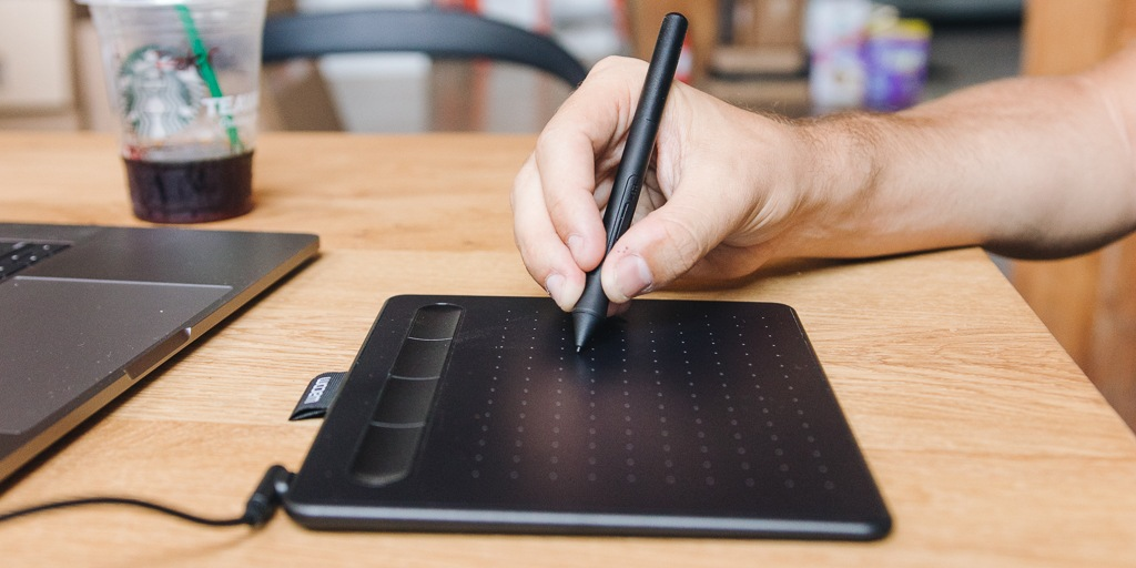 Why graphic tablets are necessary for graphic work?