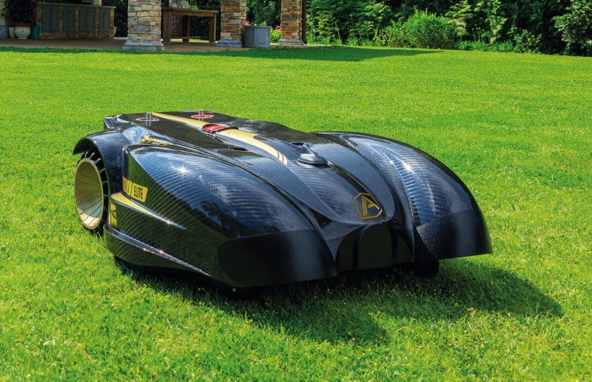 Best Robotic Lawn Mowers for Large Areas 2020