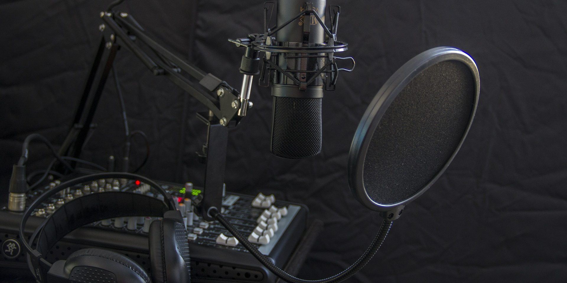 Best Mics for Female Voice Overs 2020