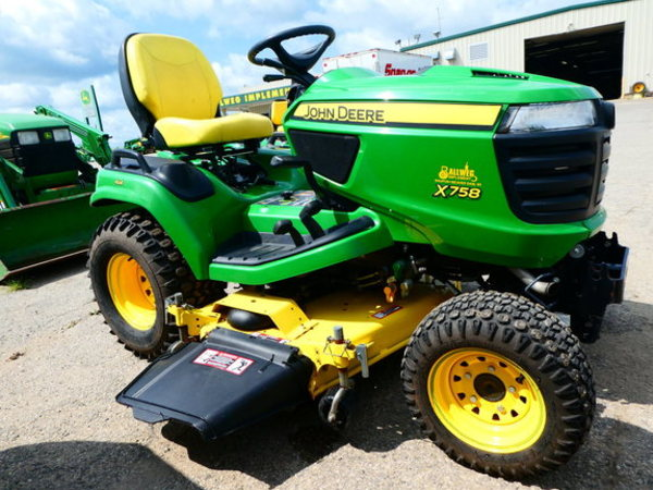 Factors To Consider When Buying a Lawn Mower For Large Area!