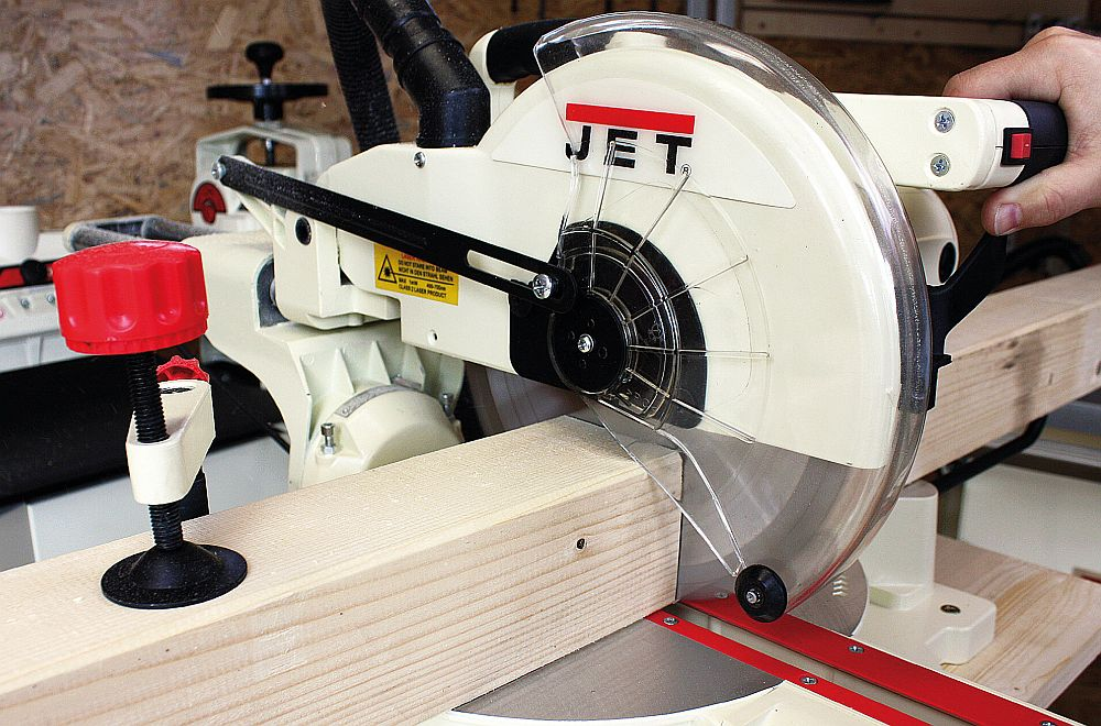 Things to Consider Before Buying a Miter Saw